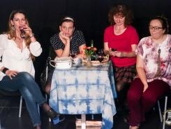 Naštěkaná aneb 4 ženy v maloměstě 004